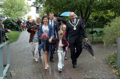 Billede af Grevinde Alexandra og familie, der ankommer til HC Andersens Hus