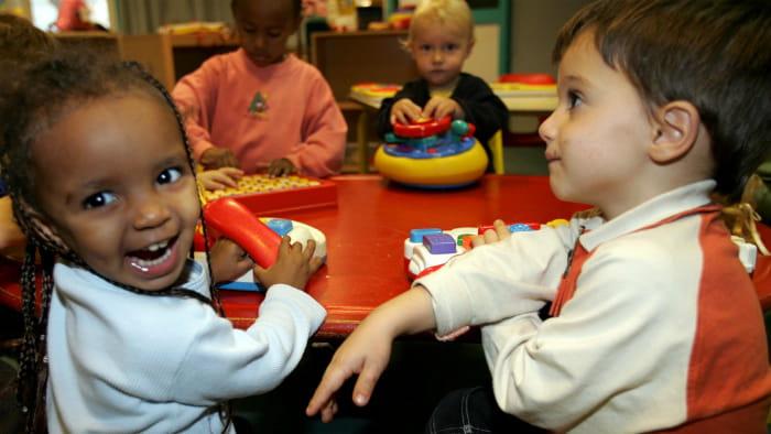 Billede af børn der leger
