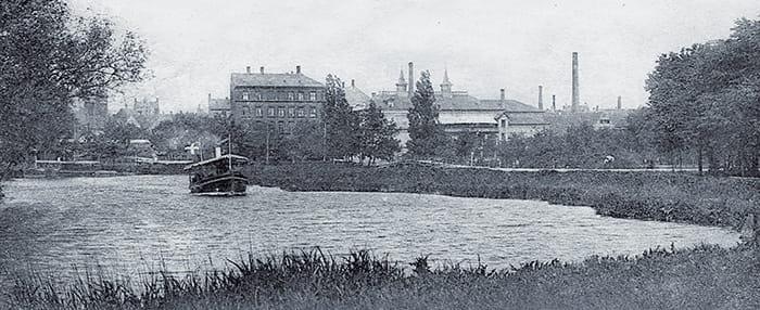 Dampbåd på åen