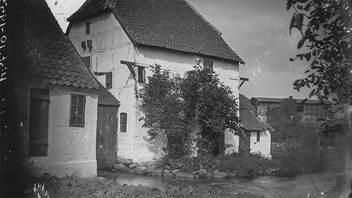 Ejby vandmølle omkring 1900