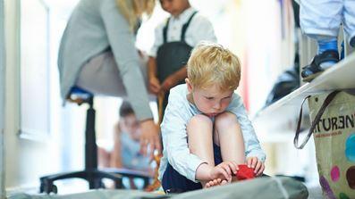 Barn på gulv